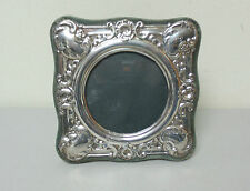 ENGLISH STERLING SILVER PICTURE FRAME w/ EMBOSSED DECORATION, c.1985