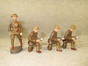 3 Elastolin or Lineol artillery loaders plus 1 Durso officer
