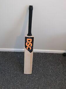 Pro Grade Cricket Bat. DSC Stickers.