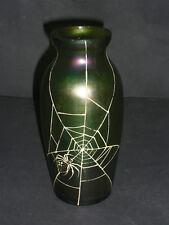 Dekorative irisierende Jugendstilvase mit Spinnennetz (Malerei)