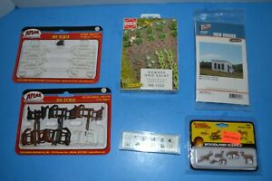 LARGE HO SCALE ACCESSORIES LOT