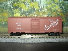 DELUXE INNOVATIONS N SCALE #14010 AAR SPEC BOXCAR SINGLE DOOR CB&Q #17175