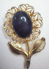 Dark blue agate cabochon and gold tone brooch Approx. 4 x 2.5cm