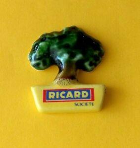 Pin's lapel pin pins Boisson ALCOOL PASTIS Société RICARD Arbre en céramique