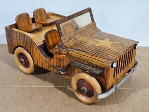 Ancienne Boite À Cigarettes/Jouet Ancien/ Voiture En Bois Jeep Willys Militaire.