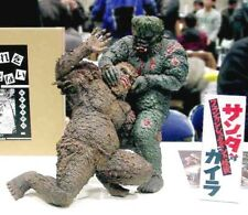 War of the Gargantuas Sanda vs Gaira Diorama 30 cm Resin Model Kit Authentic