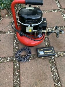badger airbrush compressor with hose and airbrush