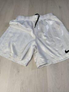 BOYS/GIRLS WHITE 'NIKE' DRI-FIT SHORTS AGE 10-12 YEARS Football