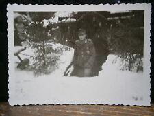 Photo argentique guerre 39 45 soldat Allemand wehrmacht WWII devant Isba Russie