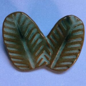 Crossed Banana Leaves Handcrafted Green Ceramic Art Pottery Pin Brooch Signed