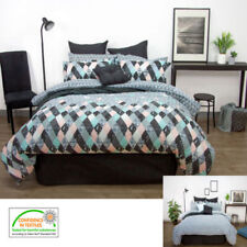 Pictorial Contemporary Quilts & Bedspreads