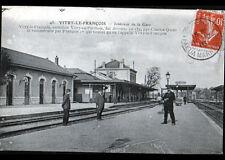 VITRY-le-FRANCOIS (51)  CHEF de GARE , Coté QUAI animé en 1916