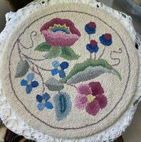 Vtg Hand Hooked Virgin Wool Queen Ann Chair Seat Rug Pad by Martin import Floral