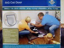 Petsafe ® Big Cat Door Size Small Up To 25-lb. Cat