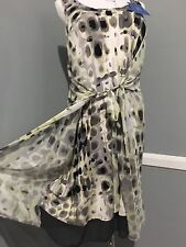 New  VERA WANG Multi Color, Short Sleeves Wrap DRESS, size S