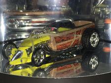 Hot Wheels Oil Can Series CUSTOM WOODY PICKUP w/RRs (Yellow)