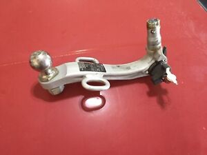 2003-2006 Factory GM Oris Original Chev SSR Trailer Hitch GM Part  #15110022