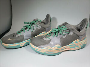 Nike Mens Athletic Shoes Size 10