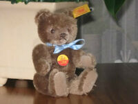 Steiff Original Teddy Bear 002151 Button - Tag - Shield
