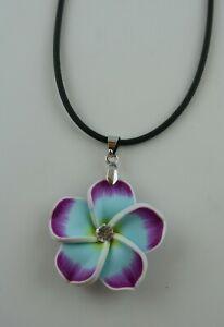 Hawaii Flower Anhänger mit Glitzerstein  verschiedene Farben