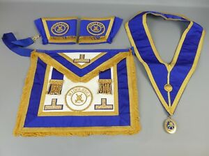 Masonic Apron, Collar, Cuffs and JEWEL for MIDDLESEX       |121