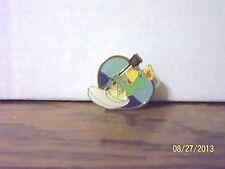 1985 OLYMPIC MASCOT GREEN PARROT BIRD ROWING CANOEING METAL PIN