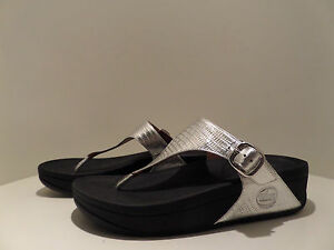 FITFLOP Silver Leather THE SKINNY Slip On THONG SANDALS w/Buckle Ladies Sz:US10