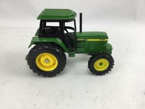Ergo John Deere Tractor 3140 Die Cast 1/32 Green
