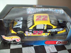 1/24 scale CATERPILLAR CAT #22 WARD BURTON CAR 1999 HOT WHEELS DELUXE NASCAR