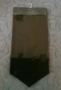 NEW WITH TAGS SONOMA GREEN FALL/WINTER POINTED TABLE RUNNER 13X54 INCHES