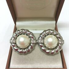 Vintage Jewellery Gorgeous 1980's Classic Faux Pearl Rhinestone Clip On earrings