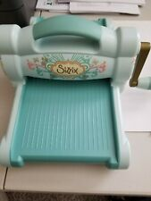 Sizzix big shot machine, aqua, embossing with platform, 2 cut pads