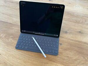 Apple iPad Pro 256GB, 12,9 Zoll - Space Grau - Pencil 2 - Magic Keyboard - Folio