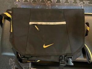 Nike Lance Armstrong 10/2 Messenger Bag Laptop Bag Live Strong