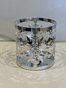 NEW YANKEE CANDLE SILVER SNOWFLAKE CANDLE HOLDER SLEEVE - LARGE JAR BNWT DEFECT