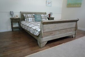 French Chantilly King Size Sleigh Bed In A Weathered Oak Finish - Hand Carved
