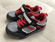 Stride Rite M2P Dwyer Athletic Sneakers Shoes Size 8.5 Gray Black Red Boys