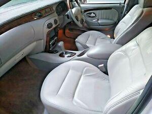 Ford LTD 2001
