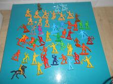 10.09.1711 lot figurine ancien Far west indien cowboy soldat plastique militaire