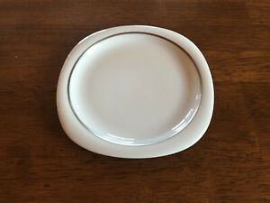 Rosenthal Suomi Lanka Bread and Butter Plate with Platinum Band