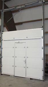 neues Sektionaltor mit Schlupftür 3000 mm x 3000 mm, Niedrigschwelle 22 mm