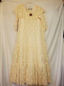 Vintage lace Cynthia San Francisco wedding dress plus size