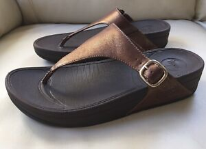FitFlop Women's The Skinny Deluxe Bronze 39 T-Strap Sandals Slide US 8 (1320986)