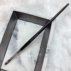 Sephora pro Collection gel Liner Eyeliner brush #26 (also for spot concealer)