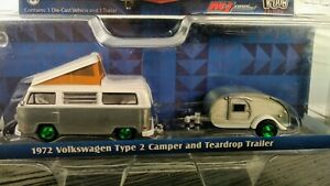 CHASE GREENLIGHT 1:64 HITCH & TOW 1972 VOLKSWAGEN TYPE 2 & TRAILER CAR Silver