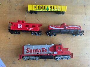N Scale Model Train Set Coca-Cola, Pine Hill, A.T. & S. F., Santa Fe 5628