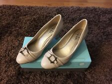 Life Stride Nude Patent Leather Heels/Pumps! NEW! Size 8