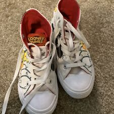 Converse All star Looney Tunes sylvester and tweety bird high top size 12y