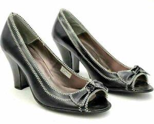 Very Volatile Women Peep Toe Bow Pump Heels Size US 10 Black White Leather