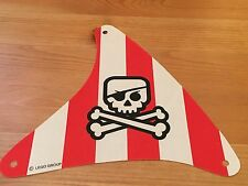 LEGO sailbb33 @@ Cloth Sail Triangular Red Stripes, Crossbones Pattern 7075